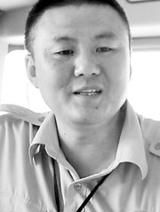 广东黑色素瘤康复者,刘劲松